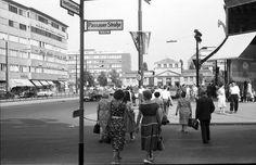 Berlin: Tauentzienstraße [Tauentzienstraße] von der  Leiser Ecke mit U-Bahnhof Wittenberg Platz (1957)