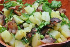 Ensalada de Patatas y Rucula con trocitos de bacón y guisantes --> The best potato salad with bacon and peas