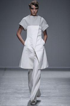 Sfilata Gareth Pugh Paris - Collezioni Primavera Estate 2014 - Vogue