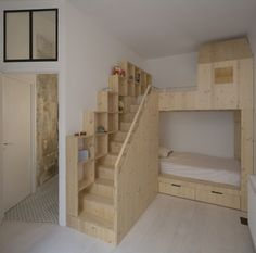 Loft : Appealing Small Loft Bedroom with Oak Wooden Loft Bed also Completed with Bathroom Inside. Retro Style Interior of Loft in Paris by Maxime Jansens Loft Bunk Beds, Bunk Beds With Stairs, Kids Bunk Beds, Bedroom Loft, Diy Bedroom Decor, Paris Loft, Paris Paris, Paris Decor, Bunk Bed Designs