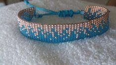 Pour ce bracelet, jai utilisé des perles de rocaille japonaise Miyuki et Toho (taille 11/0), couleurs : Transparent-Frosted Med Aquamarine, galvanisé