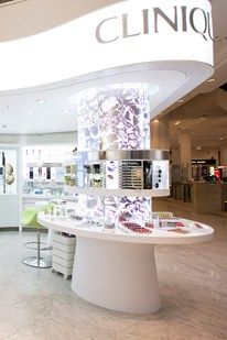 Clinique revolutionises the beauty counter with their new Experience Bar at Selfridges, as seen on BridesMagazine.co.uk (BridesMagazine.co.uk)