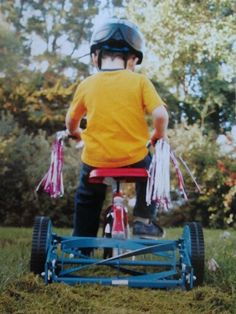Excellent adaption to the tricycle. Innovative Lawn mowing . Wonder if it works ??? Haha