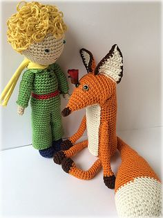 LE PETIT PRINCE ET LE RENARD - I'm sure that with shorter legs and sticky out bits under the ears this could look like my long haired chihuahua ...
