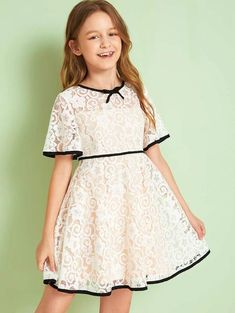 To find out about the Girls Contrast Binding Bow Front Guipure Lace Overlay Dress at SHEIN, part of our latest Girls Dresses ready to shop online today! Kids Dress Wear, Little Girl Dresses, Baby Dress, Girls Dresses, Kids Summer Dresses, Girls Fashion Clothes, Tween Fashion, Fashion Dresses, Frock Patterns