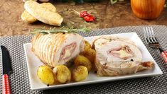 Enjoy our collection of online recipes from kitchens like yours. Browse breakfast recipes, lunch recipes, dinner recipes, dessert recipes and more. Chicken Ham, Mozzarella Chicken, Chicken Recipes, Stuffed Chicken, Italian Chicken Dishes, Cooking Tips, Cooking Recipes, Sliced Ham, Glass Baking Dish