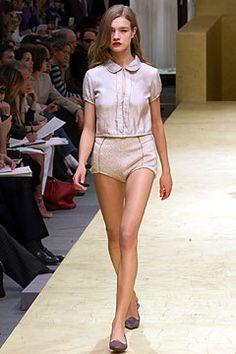 FALL 2002 READY-TO-WEAR  Louis Vuitton  Natalia Vodianova