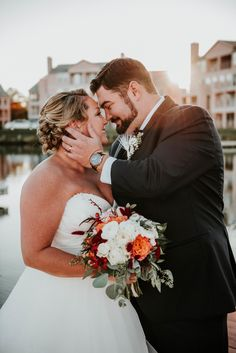 Eastern Shore Wedding / Chesapeake Wedding -- Leah Adkins Photography / Little Miss Lovely Floral Design / Ocean Pines Yacht Club -- Navy Cranberry Coral Wedding