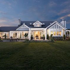 Farmhouse style, country modern home, building a shed, dream house plans, l Style At Home, Traditional Home Exteriors, Traditional House, Weatherboard House, Queenslander, Hamptons Style Homes, Australian Homes, Australian House Plans, Australian Farm