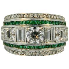 1930s Art Deco Emerald Diamond Platinum Band Ring