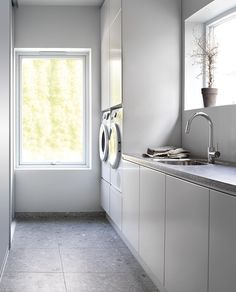 Ikea Laundry Room, Modern Laundry Rooms, Laundry Room Layouts, Laundry Room Organization, Plywood Furniture, Fridge Built In, Dream Home Design, House Design, European Laundry