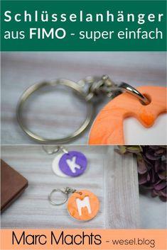 Fimo Ideen - ein Tutorial für coole FIMO Schlüsselanhänger. Das ideale FIMO Geschenk für viele Anlässe - einfach zum selber machen. Mamas And Papas, Personalized Items, Jewelry Making, Diy Gifts Man, Guy Gifts