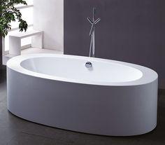 Mykt, men stramt. Badekaret har myke former, men rette kanter, og er et skikkelig blikkfang i baderommet.   H813A badekar, 180 x 85 x 58 cm, kr 9990, Sparmax.