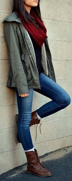 Chic Casual Winter Outfits Ideas for Teen Girls for School for College with Boots with Leggings - www.Poshiroo.com