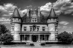 Hecker-Smiley Mansion. Detroit, Michigan. https://www.facebook.com/pages/Two-Cats-In-The-Yard/563217497115086?fref=photo  #Interiors #architecture #Design #realestate