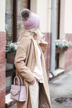 spring outfits ideas  pink hat sport_chic_superstar_sneakers_pink_bagcame_coat