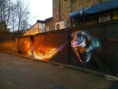 Quand l'artiste des rues s'exprime sur  son mur, cela fait souvent l'effet d'une bombe... ! / Street art.