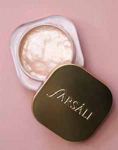 Farsali Jelly Beam Illuminator Applies Like Jelly and Sets Like a Powder Makeup Geek, Makeup Kit, Makeup Tools, Beauty Makeup, Makeup Ideas, Kat Von D Makeup, Kiss Makeup, Lipstick Palette, Makeup Pallets