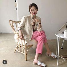 인스타 패셔니스타 차정원/차정원 패션/차정원 스타일/차정원 사복 : 네이버 블로그 Korea Fashion, Daily Fashion, Spring Wear, Spring Summer Fashion, Casual Chic, Illustration Mode, 2020 Fashion Trends, Street Style Summer, Ootd