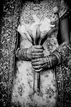 blue and white beaded lengha sari saree dress with lily bouquet and mehendi weddings indian desi bride candid photography www. Mode Inspiration, Wedding Inspiration, Wedding Ideas, Wedding Photos, Party Mode, We Are The World, Indian Bridal, Pakistani Bridal, Indian Outfits