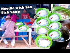 Cambodian Traditional Cuisine at Kampot Province | Khmer Noodle with Sea...