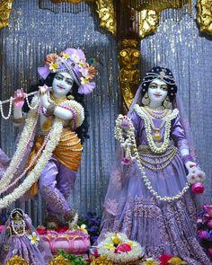 Krishna Hindu, Mahakal Shiva, Lord Krishna Images, Radha Krishna Pictures, Radha Krishna Photo, Krishna Photos, Radhe Krishna, Iskcon Krishna, Krishna Janmashtami