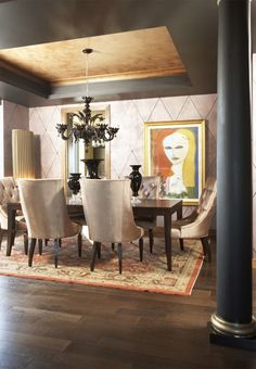 Eclectic dining room... Love the art..