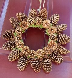 Pretty Pinecone wreath... is that moss in there?