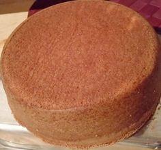 O Pão de Ló de 1kg é fácil de fazer, econômico e fofinho. Faça esse pão de ló para bolos pequenos e deliciosos. Confira a receita!