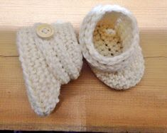 Janitan kätösistä: Vauvan uggit - ohje Handicraft, Knit Crochet, Hello Kitty, Baby Shoes, Projects To Try, Christmas Gifts, Slippers, Sewing, Knitting