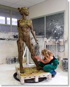 Natasja Bennink bronzen beeld Venus van Antwerpen