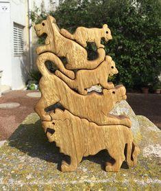 Hölzerne Löwen, 5 Löwen, Löwen-Pyramide, Löwen Puzzle, hölzerne Turm Puzzle, Puzzle Pyramide Holz Spiel, Geschenk für Kinder & Erwachsene, Holzkunst.