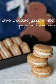 White Chocolate Ganache Filled Gingerbread Macarons – Dessert Now, Dinner Later! White Chocolate Ganache Filled Gingerbread Macarons – Dessert Now, Dinner Later! Macaron Dessert, Macaron Flavors, Macaron Cookies, Candy Cookies, Shortbread Cookies, Desserts Français, Delicious Desserts, Dessert Recipes, Delicious Cookies