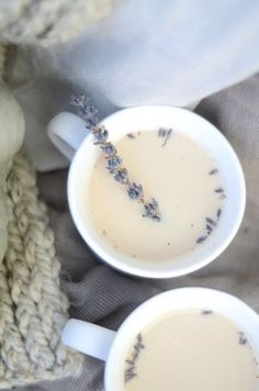 London Fog Tea Latte with Lavender #recipe #latte #lavender