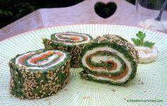 low carb Spinat-Lachs-Rolle Wer Lachs und Spinat mag wird begeistert sein und eure Gäste auch… versprochen! Zutaten für eine Rolle (2 Pers.): 200 g Spinat 2 Eier 1 Prise Pfeffer 50 g Mozzarella, geraspelt 100 g Frischkäse 200 g Lachs, geräuchert 2 EL Sesam Zubereitung: ... #low carb #abnehmen #Rezepte