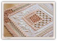 Gallery.ru / Розовая дорожка, в исполнении Мамен Ариас - Пояснения по вышиванию Розовой дорожки Pink runner - Nikol-Vesna
