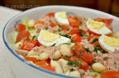Salată cu fasole, ton și ardei copt Tapas, Avocado Salad Recipes, Gym Food, Romanian Food, Weekly Menu, Potato Salad, Main Dishes, Food And Drink, Cooking Recipes