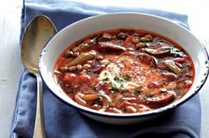 Fazolová polévka Thing 1, Bean Soup, I Love Food, Chili, Recipies, Beans, Food And Drink, Cooking, Health