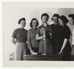 Six students participating in Student Quiz over radio station WSPR, Springfield :: Archives & Special Collections Digital Images :: 1939 Digital Image, 1920s, Archive, Students, Collections, Big