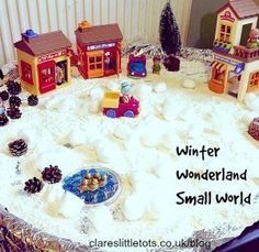 ** LOVE THE TIN FOIL LINED TUFF SPOT ** Winter wonderland small world play. Easy to set up using only 1 ingredient and encourages lots of imaginative and sensory play. Tuff Spot, Winter Fun, Winter Christmas, Preschool Christmas, Christmas Crafts, Winter Activities For Toddlers, Tuff Tray Ideas Toddlers, Christmas Activities For Children, Christmas Activities For Kids