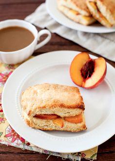 gastrogirl:    peach cobbler scones.