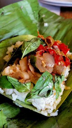 """Nasi Kucing"", Gerobak Betawi, Jakarta Jakarta, Salmon Burgers, Sandwiches, Rice, Business, Ethnic Recipes, Food, Essen, Store"