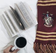 Imagem de book, harry potter, and coffee