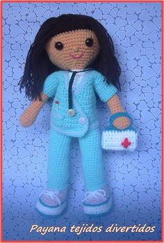 Muñeca enfermera amigurumi