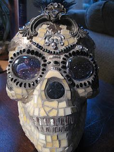 Cool mosaic skull.  Wish I was this talented.