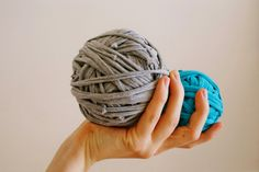 Curious and Catcat: DIY: How to make T-shirt yarn