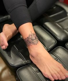 - You are in the right place about Foot Tattoos matching Here we offer you the. - – You are in the right place about Foot Tattoos matching Here we offer you the most beautiful p - Tattoo Designs Foot, Lace Tattoo Design, Flower Tattoo Designs, Mandala Tattoo Design, Henna Designs, Ankle Tattoos For Women Mandala, Foot Tattoos For Women, Womens Ankle Tattoos, Ankle Tattoo Mandala