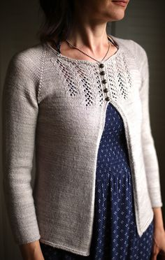 Ravelry: Colorfox's Peasy with some minor modifications
