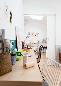 Cores e mais cores. Veja: http://casadevalentina.com.br/blog/detalhes/cores-e-mais-cores-2935 #decor #decoracao #interior #design #casa #home #house #idea #ideia #detalhes #details #color #cor #style #estilo #casadevalentina