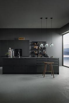 Timeless beauty combined with modern design! Home Design, Küchen Design, Interior Design, Jardin Vertical Artificial, Black And Grey Kitchen, Industrial Style Kitchen, Kitchen Dinning, Grey Kitchens, Cuisines Design